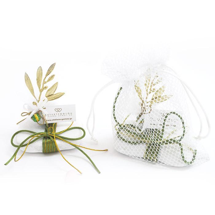 Φύλλο ελιάς μπομπονιέρα γάμου με κουφέτα