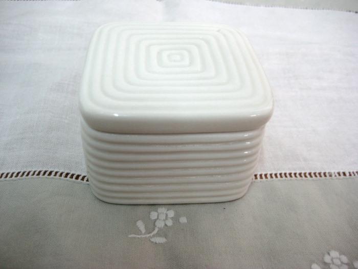 Τετράγωνο κουτάκι μπομπονιέρα