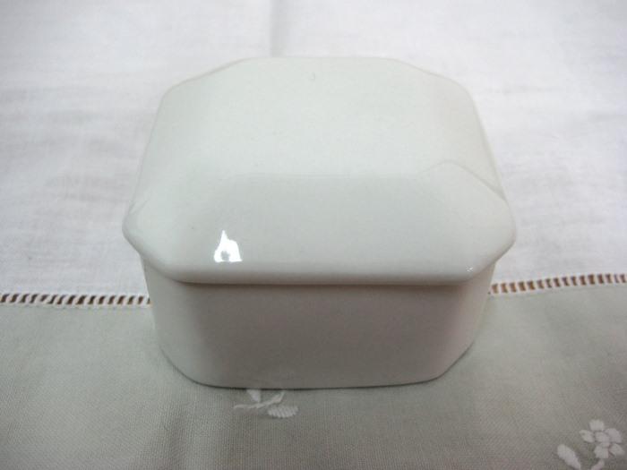 Τετράγωνο κουτάκι για μπομπονιέρα βάπτισης