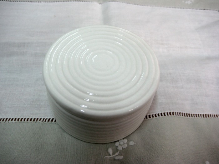 Στρογγυλό κουτάκι μπομπονιέρα βάπτισης