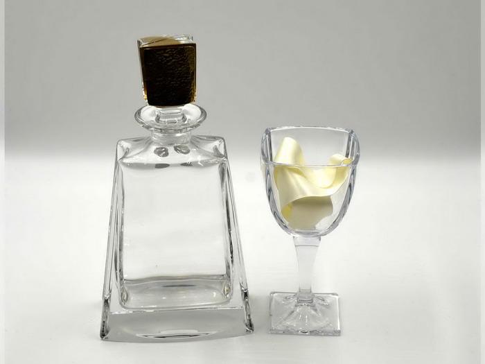 Σετ καράφα με σφηρύλατο πώμα και ποτήρι