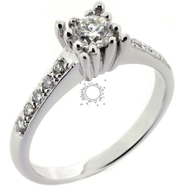 Χειροποίητο κόσμημα γάμου μονόπετρο με διαμάντια
