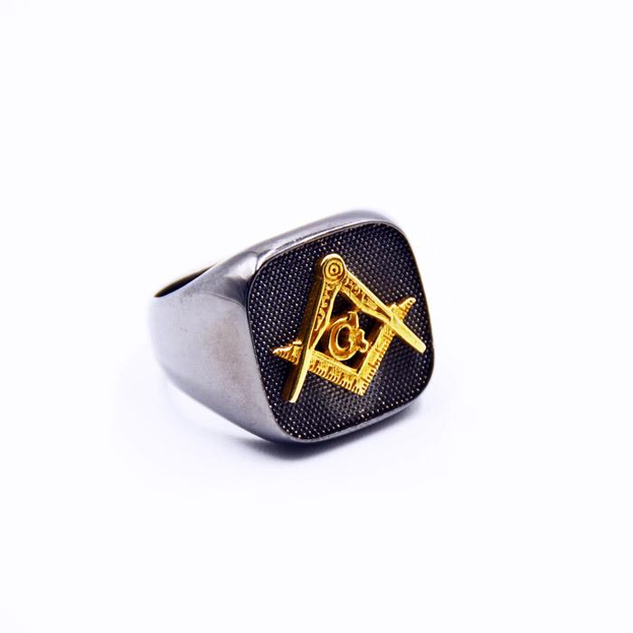 Τεκτονικό δαχτυλίδι με μαύρο πλατίνωμα σε επίχρυσο