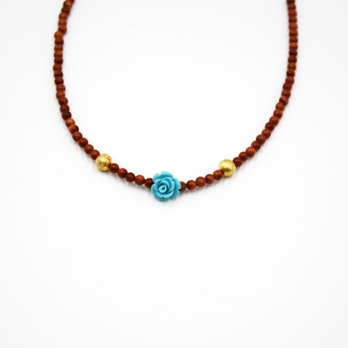 Μοντέρνα κοσμήματα για το λαιμό