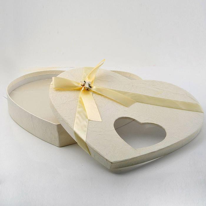 Στεφανοθήκες γάμου καρδιά με σατέν εσωτερική επένδυση